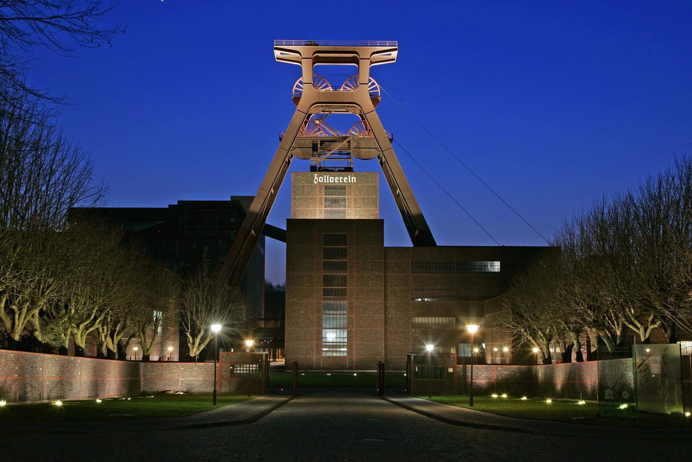 Zollverein Essen Förderturm Package